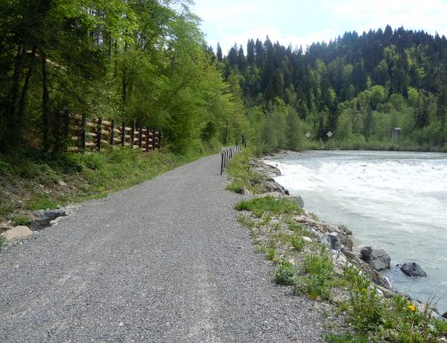 Achtalweg wegen Felssturzgefahr gesperrt!