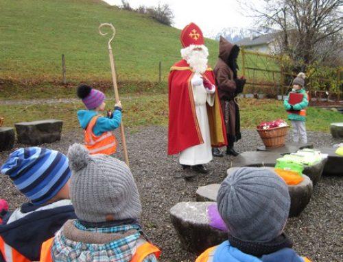 Der Nikolaus zu Besuch im Kindergarten